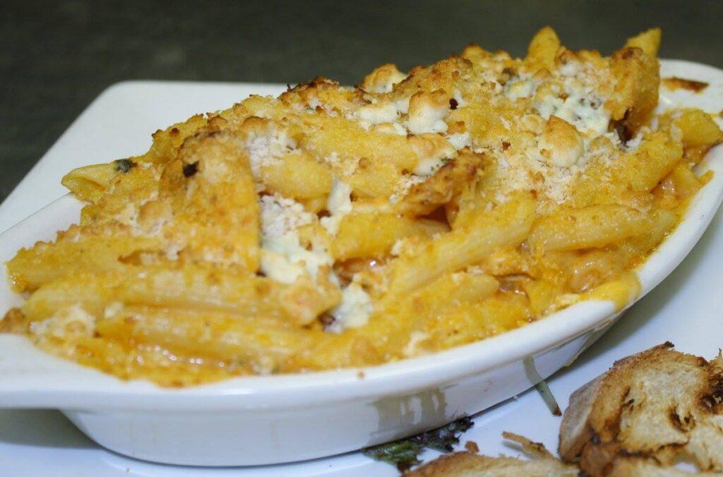 buffalo-mac-and-cheese